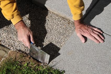 Terrassenplatten: Beton oder Naturstein?