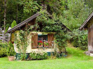 Der Garten im Herbst – Gartenhaus richtig auswählen