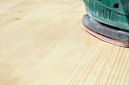 Teppichkleber entfernen mit dem Rundschleifer