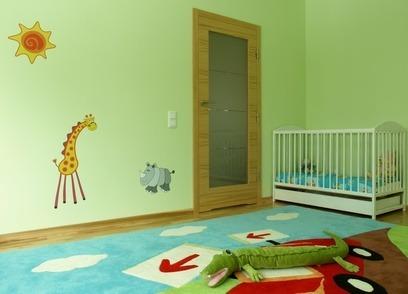 Wallies auf der Wand im Kinderzimmer: in der Form von Giraffe