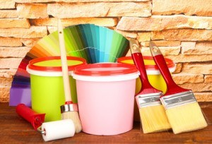 Farbgestaltung set: Walze, Pinsel, Farbe