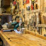 Werkbank einrichten: Tipps und Lösungen für Heimwerker