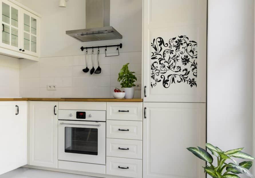 Küche mit Kühlsschranksticker